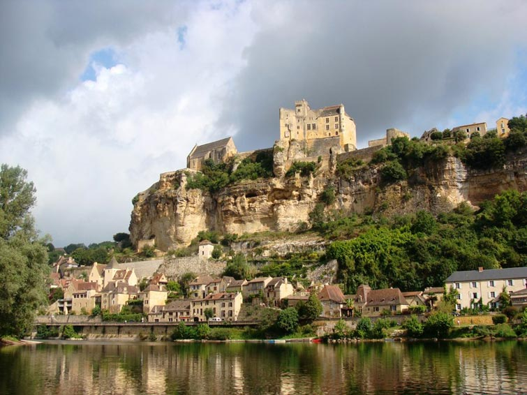 Château de Beynac - A Fortress with nine centuries of history