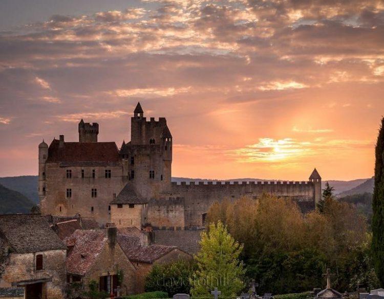 Château de Beynac couché de soleil